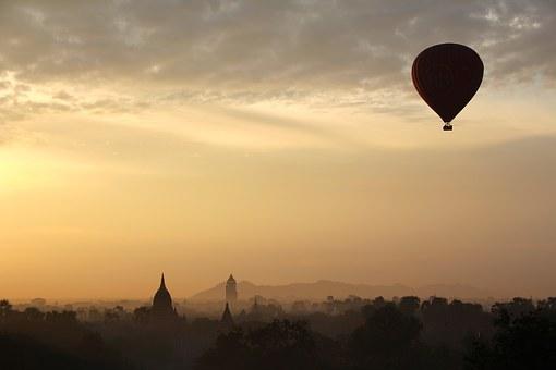 hot-air-balloon-ride-1029303__340