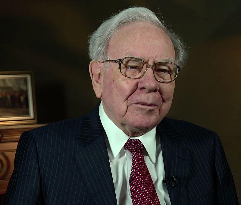Warren_Buffett_at_the_2015_SelectUSA_Investment_Summit